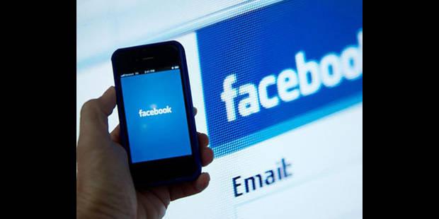 Facebook vise les mobiles