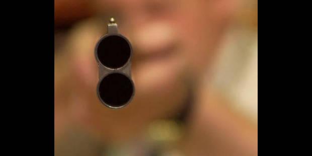 Un enfant de 5 ans tire sur sa tante et la blesse grièvement - La DH
