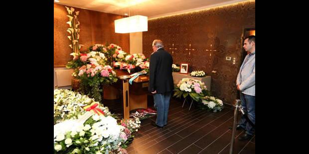 Funérailles de Michel Daerden: un écran géant installé à l'extérieur du funérarium