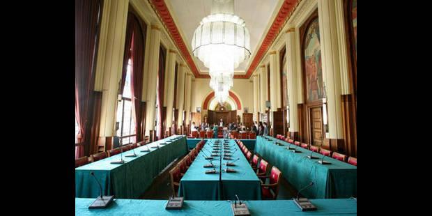La Ville de Charleroi, partie civile contre 58 inculp�s