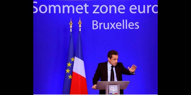 La dette grecque va �tre r�duite de 100 milliards d'euros