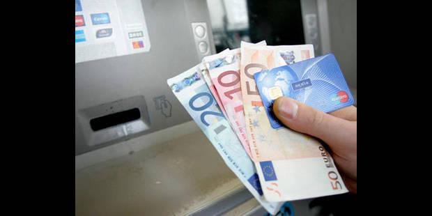Vol de carte bancaire: deux individus interpell�s par la police de Bruxelles