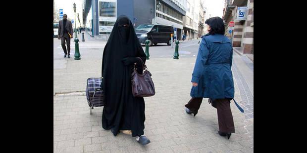 La burqa prohibée à Verviers - La DH