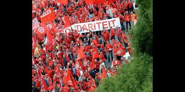 """Des milliers de manifestants à Luxembourg """"contre l'austérité"""" et pour """"une autre Europe"""" - La DH"""