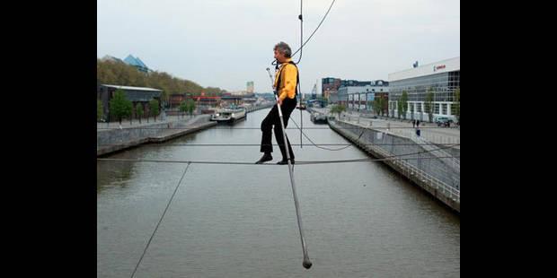 Sur le canal comme un funambule - La DH