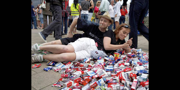 830 manifestants contre l'interdiction de fumer dans l'horeca - La DH