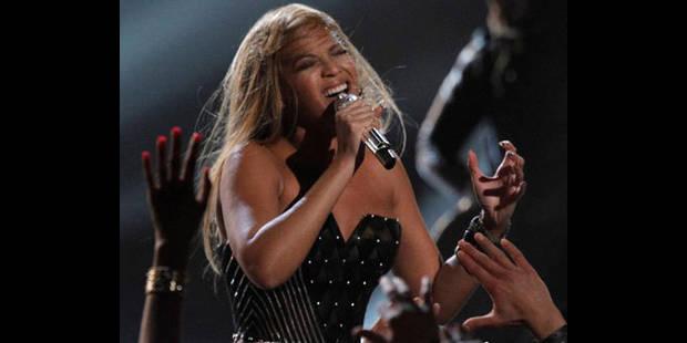 Beyoncé fait don de l'argent reçu pour un concert devant le clan Kadhafi
