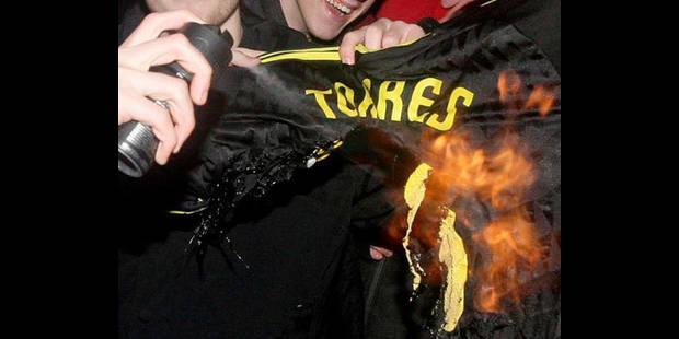 Le maillot de Torres brûlé par ses anciens fans