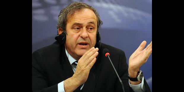 Football - Platini donnerait le Ballon d'Or à Xavi