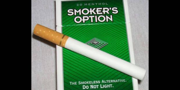 des fausses cigarettes en vente dans les distributeurs. Black Bedroom Furniture Sets. Home Design Ideas