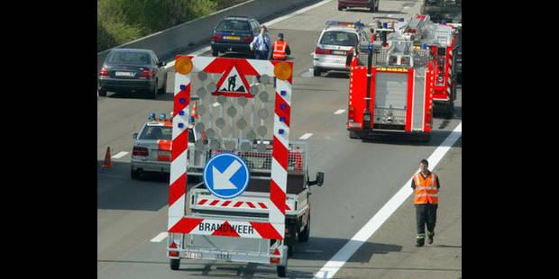 Collision sur la E17 à Lokeren: décès d'un homme de 22 ans - La DH