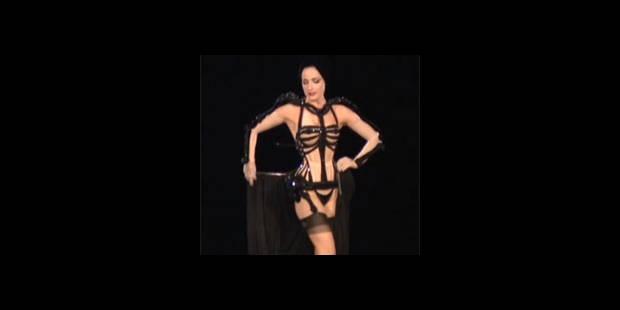 Le strip-tease de Dita Von Teese (Vidéo)