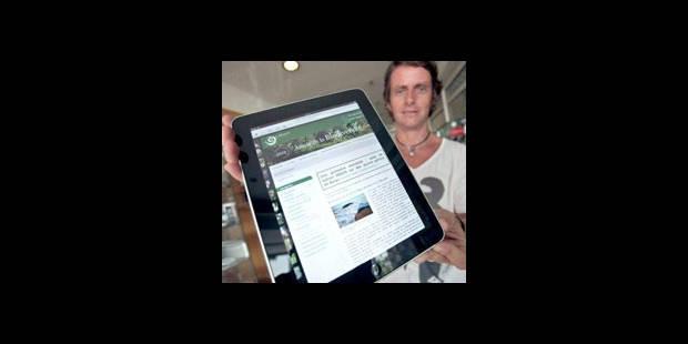 iPad: quelques centaines de fans � l'ouverture des magasins � Paris