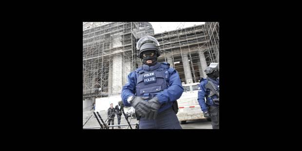 Un déploiement policier massif qui fait grincer des dents - La DH