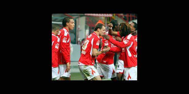 Le Standard fait chuter Bruges, Anderlecht en tête