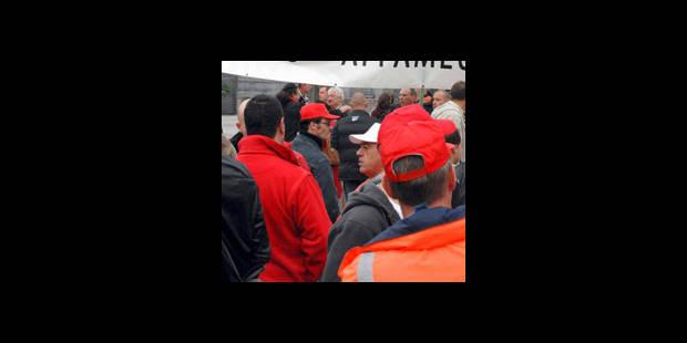 Les travailleurs des intercommunales manifestent � Li�ge