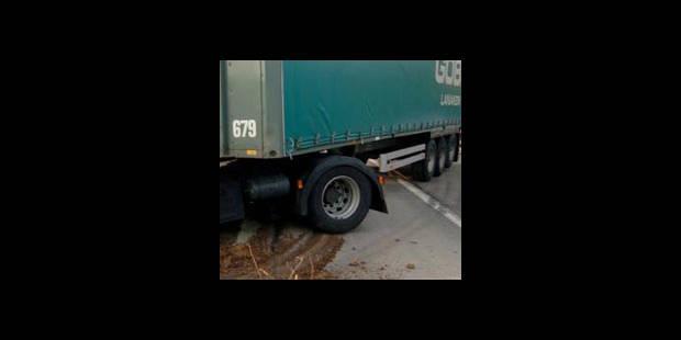 Ath: une femme tuée sous un camion - La DH