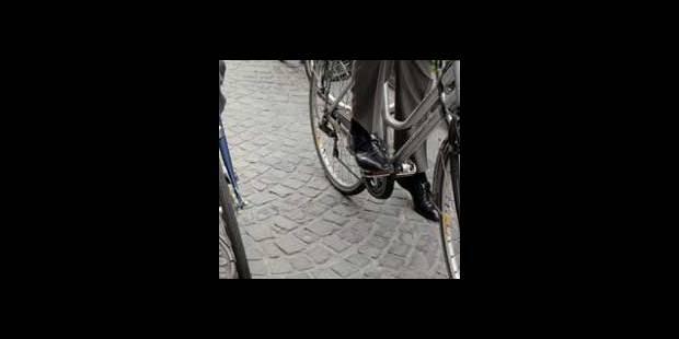 Deux voitures heurtent une cycliste de 8 ans à Bruxelles - La DH