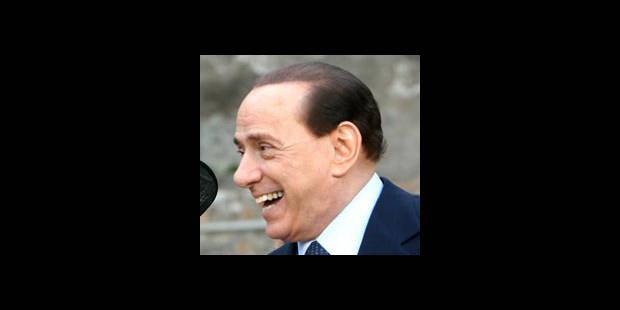 """Silvio Berlusconi récidive: """"Je suis plus pâle"""" que Barack Obama - La DH"""