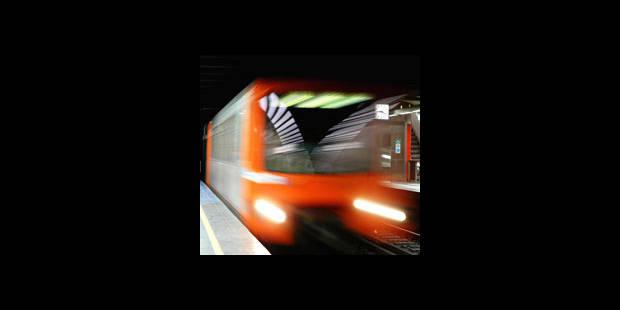 Un blessé sur les voies de métro: le trafic a repris - La DH