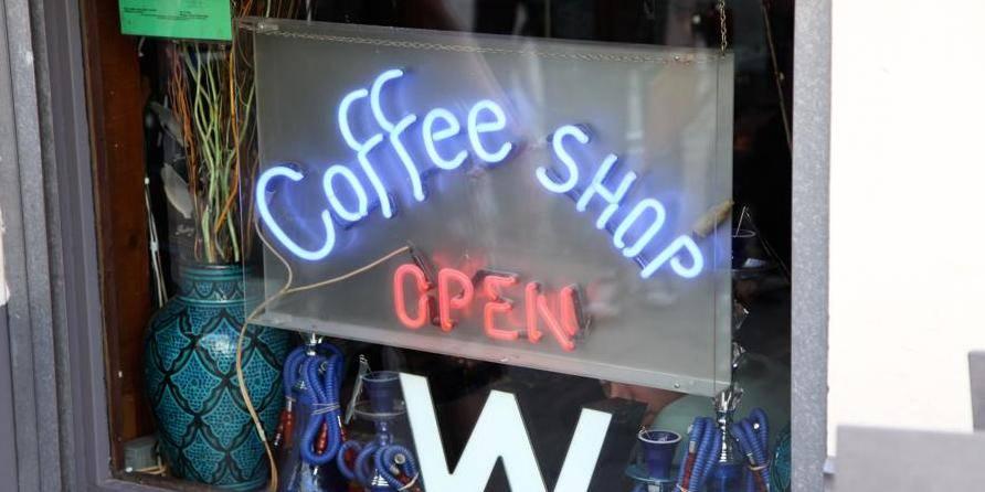 6 coffee shops de Maastricht condamnés pour avoir vendu du cannabis à des étrangers