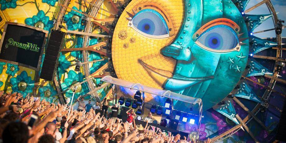 Tomorrowland: clap 9ème!