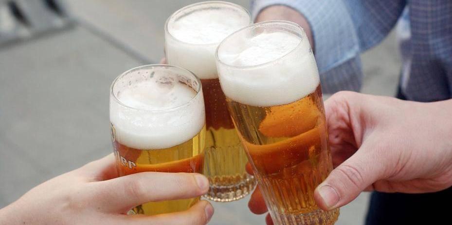 PIRARD OLIVIER PHOTO Bière / alcool / jeune / Jupiler