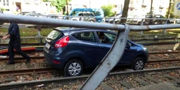Une conductrice s'engage par erreur dans un tunnel du pr�m�tro