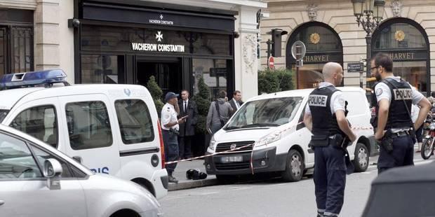 Braquage d'une bijouterie à Paris: cinq Roumains déférés