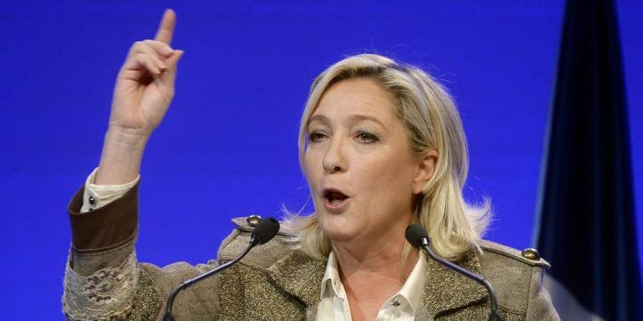 Marine Le Pen veut des élections anticipées
