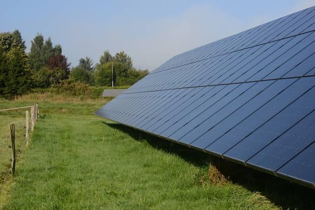Les Flamands ne doivent pas payer de redevances pour leurs panneaux solaires - La DH