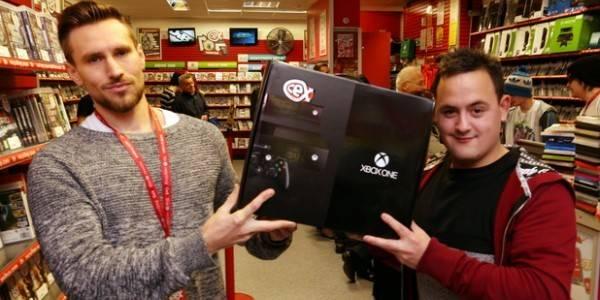 Arnaqué, il reçoit finalement sa Xbox One gratuitement! - La DH