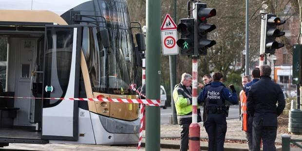 Un joggeur percuté par un tram à Schaerbeek - La DH