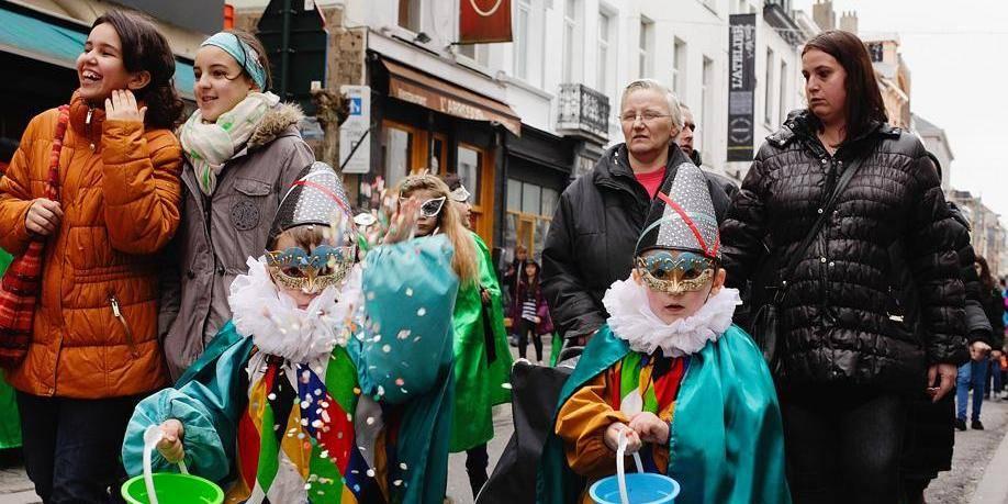 Les enfants défilent dans les Marolles - La DH