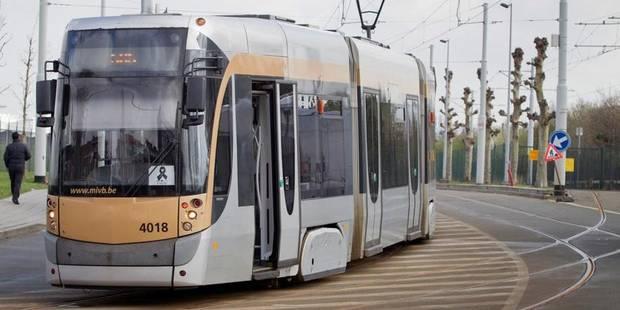 Une personne heurtée par un tram à Etterbeek - La DH