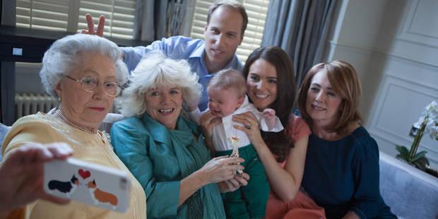 """Le selfie totalement """"crazy"""" de Kate et la famille royale"""