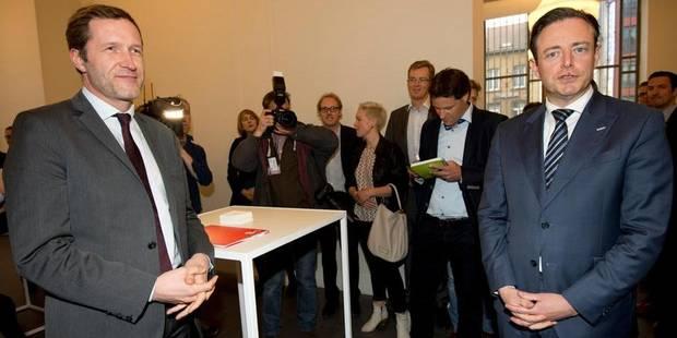 Bart De Wever et Paul Magnette croisent le fer pour la première fois dans un débat - La DH