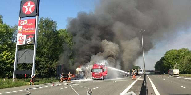 Accident E40: Une bande dégagée
