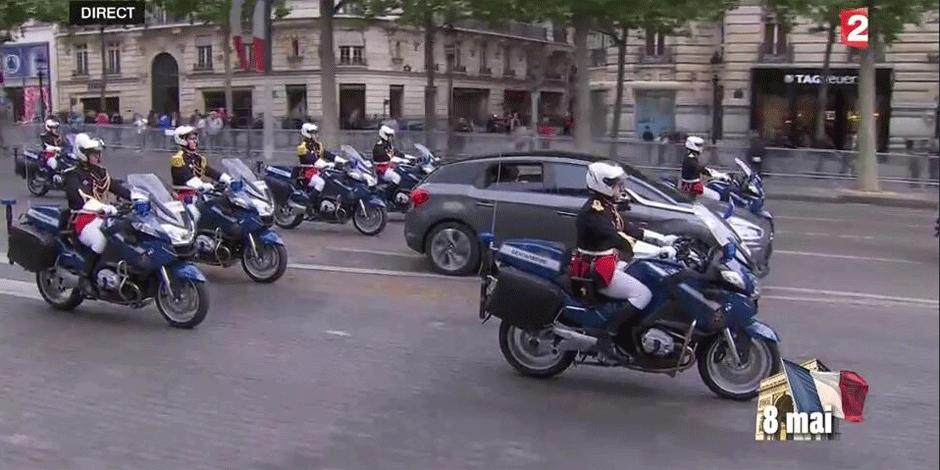 Hollande seul au monde sur les Champs-Elysées