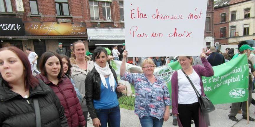 Les chômeurs et leurs formateurs dans la rue