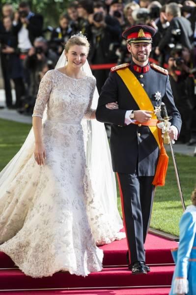 Stéphanie du Luxembourg en robe Elie Saab qui a nécessité 3900 heures de travail.