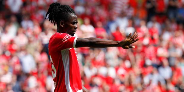 Un contrat attend Kanu...� Anderlecht !