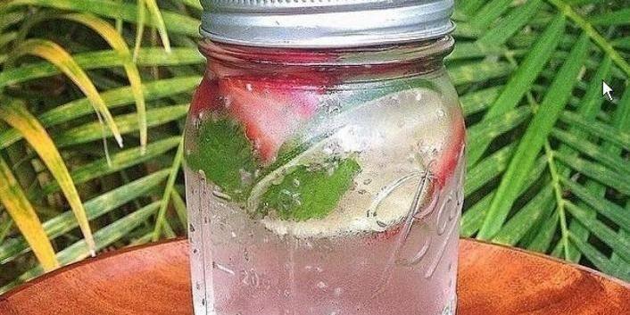 Detox Water : l'eau délicieuse et belle