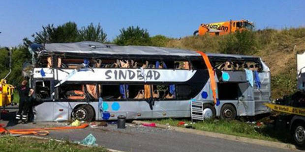 Au moins 9 morts et 43 blessés dans un accident de car à Dresde
