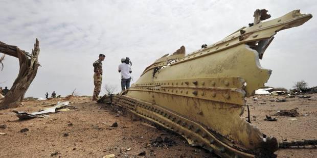"""Rien que """"des petits morceaux"""" et des débris sur la scène du crash de l'avion d'Air Algérie - La DH"""
