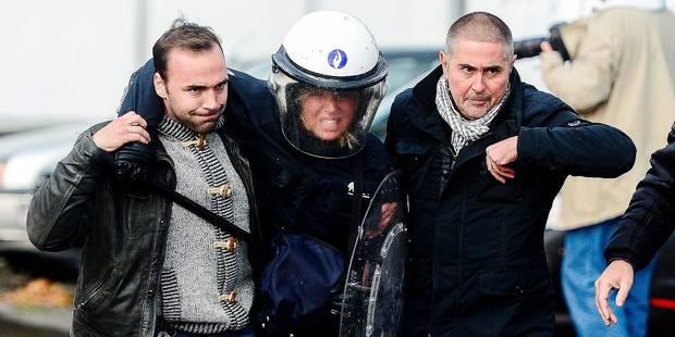 Manifestation: les policiers ont reçu l'ordre de ne pas aider leurs collègues en détresse - La DH