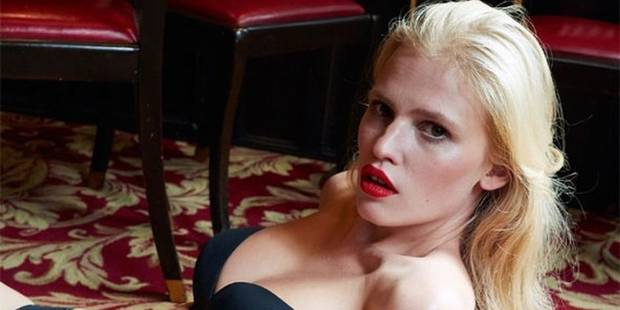 Lara Stone dévoile sans retouche sa silhouette post-grossesse - La DH