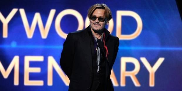 Johnny Depp ivre devant un tapis de stars hollywoodiennes - La DH