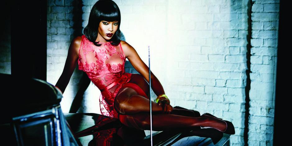 Naomi Campbell, égérie lingerie à 44 ans