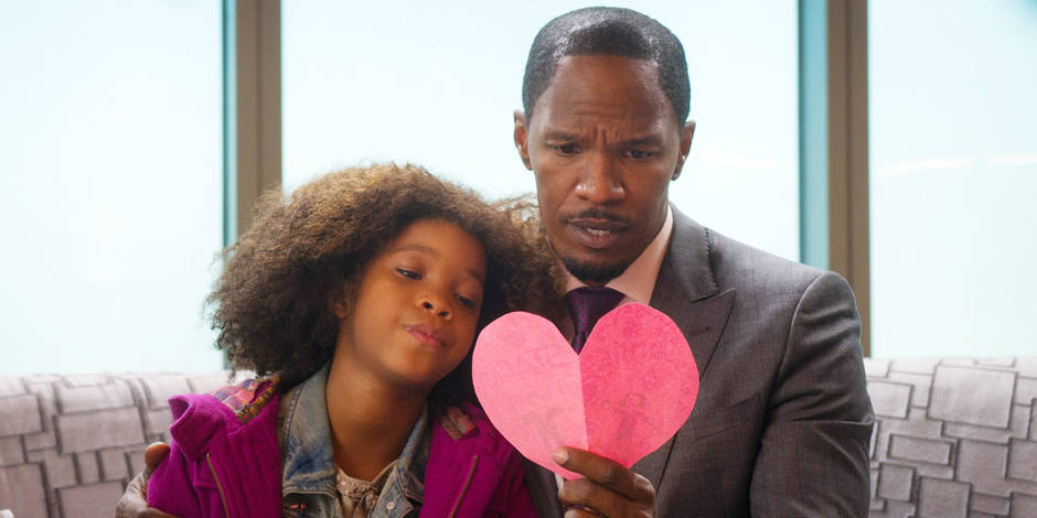 ANNIE, from left: Jamie Foxx, Quvenzhane Wallis, 2014. ph: Barry Wetcher/©Columbia